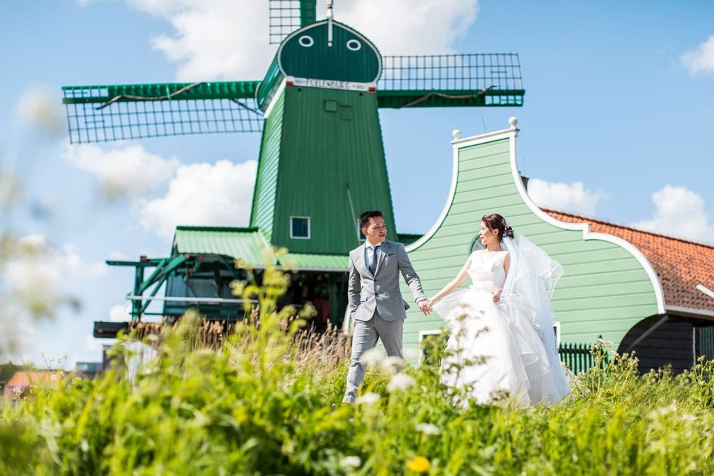 Windmill prewedding Netherlands
